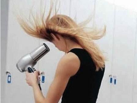 共享吹风机:高校女生的刚需要产品