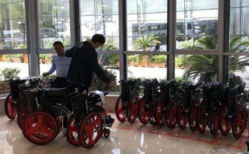 共享轮椅 扫码租借更方便